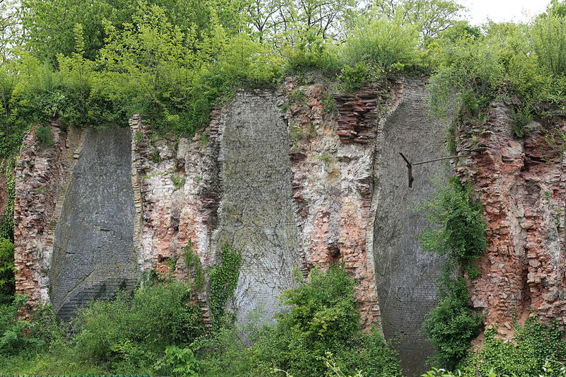 Photo du Monument Historique Fours à chaux situé à Chartres-de-Bretagne