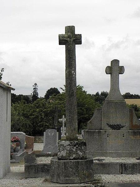 Photo du Monument Historique Croix du 16e siècle situé à Châteaubourg