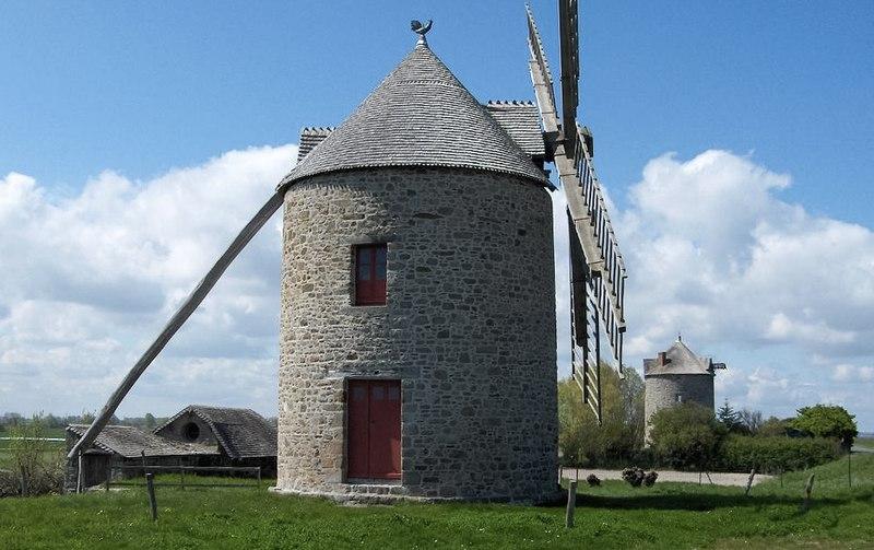 Photo du Monument Historique Moulin à vent numéro 1 situé à Cherrueix