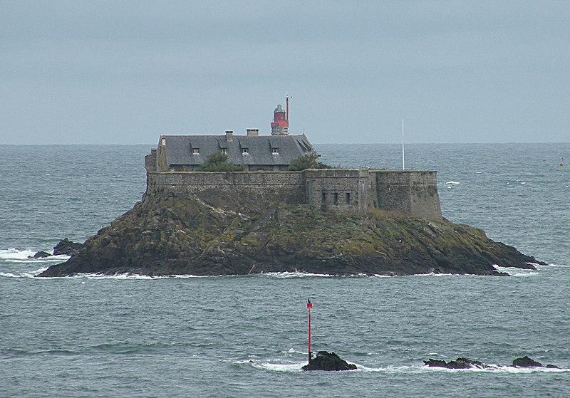 Photo du Monument Historique Ile Harbour et son fort situé à Dinard