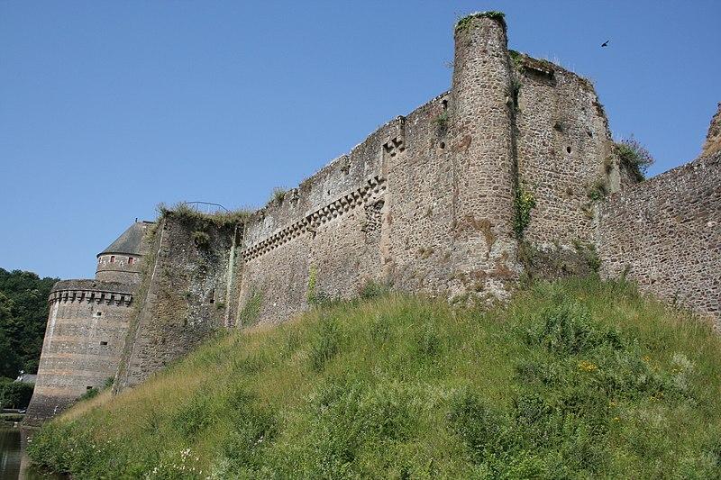Photo du Monument Historique Château situé à Fougères