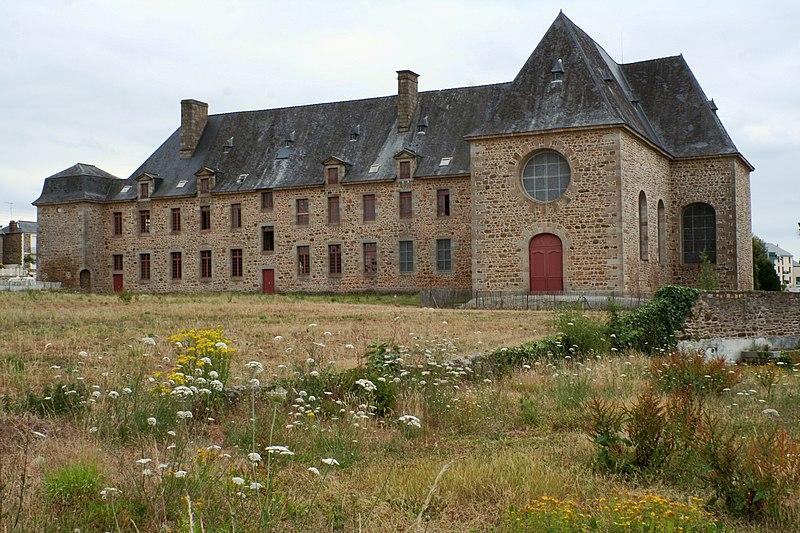 Photo du Monument Historique Ancien couvent des Religieuses Urbanistes situé à Fougères