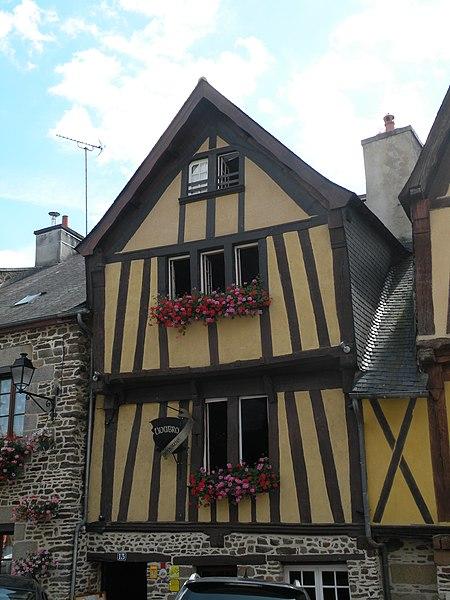Photo du Monument Historique Maison situé à Fougères