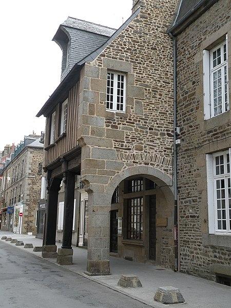 Photo du Monument Historique Maison du 16e siècle, actuellement musée situé à Fougères