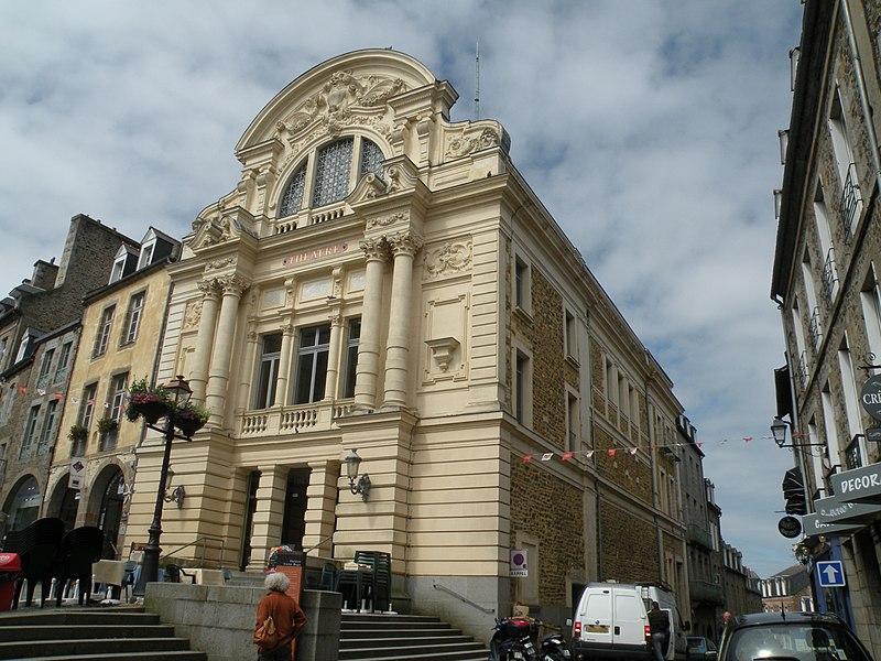 Photo du Monument Historique Théâtre municipal situé à Fougères