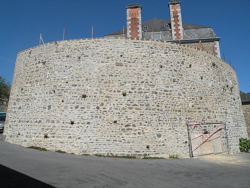 Photo du Monument Historique Tour Ravelin situé à Fougères
