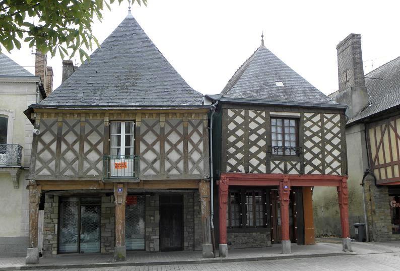 Photo du Monument Historique Maisons situé à Guerche-de-Bretagne (La)