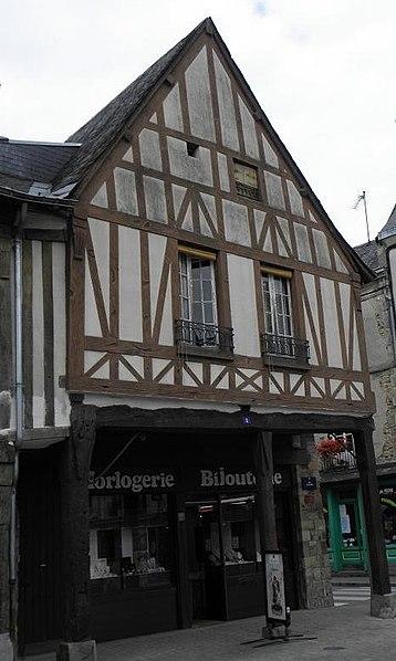 Photo du Monument Historique Maison Hunault situé à La Guerche-de-Bretagne