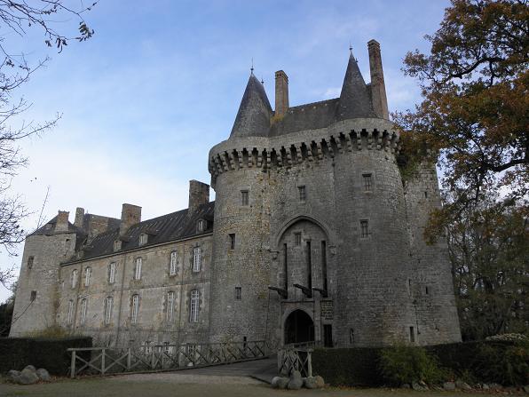 Photo du Monument Historique Château de Montmuran situé à Les Iffs