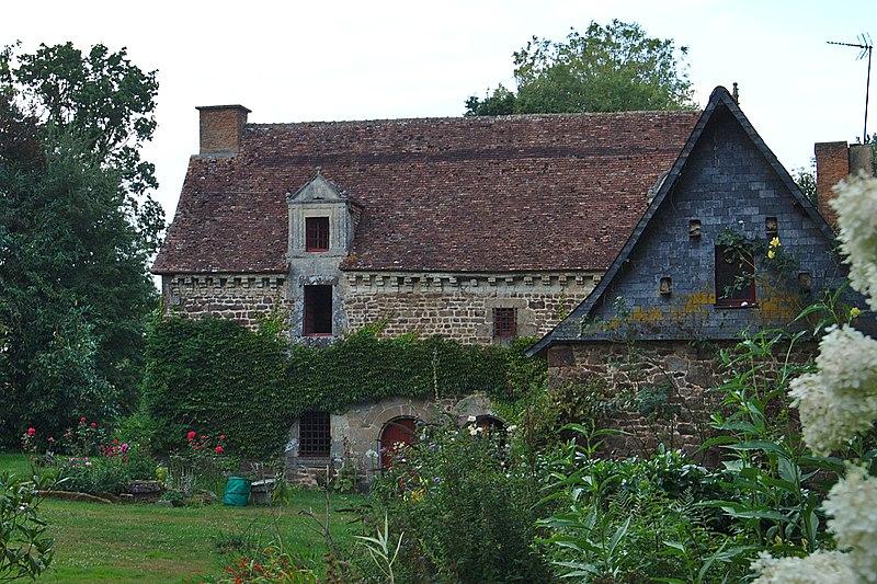 Photo du Monument Historique Manoir de la Boulaye situé à Les Iffs