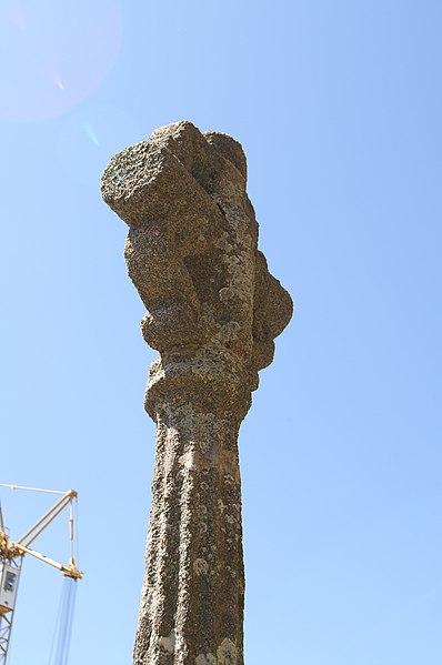 Photo du Monument Historique Croix du cimetière en granit situé à Nouvoitou