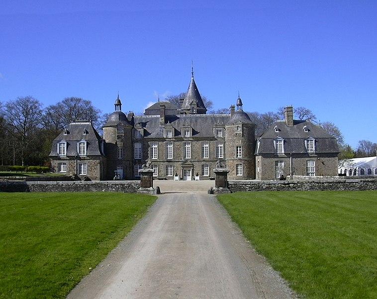 Photo du Monument Historique Château de la Bourbansais situé à Pleugueneuc