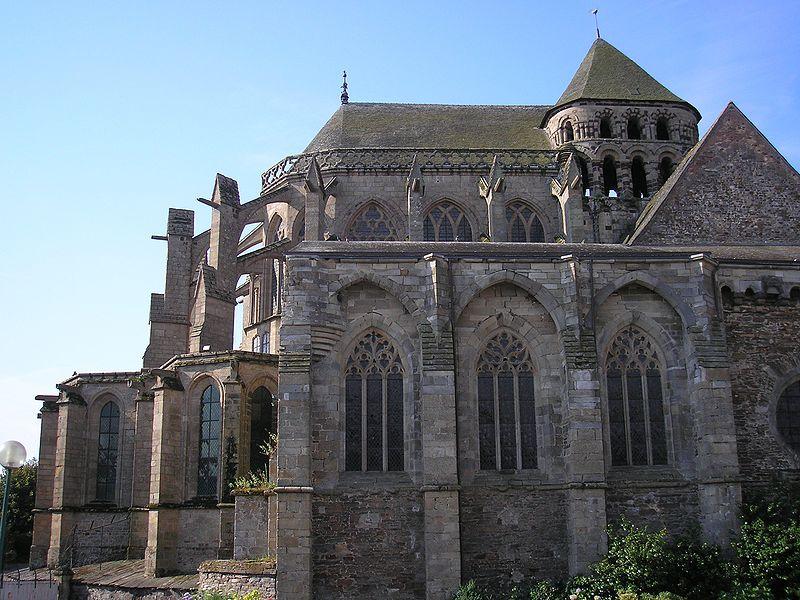 Photo du Monument Historique Eglise Saint-Sauveur (ancienne basilique) situé à Redon