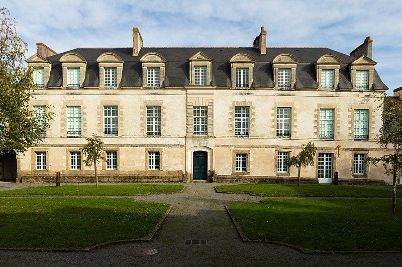 Photo du Monument Historique Manoir du Mail, anciennement appelé hôtel du Plessis situé à Redon