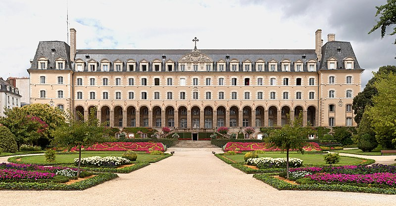Photo du Monument Historique Ancienne abbaye Saint-Georges des Bénédictins, ou Palais Saint-Georges situé à Rennes
