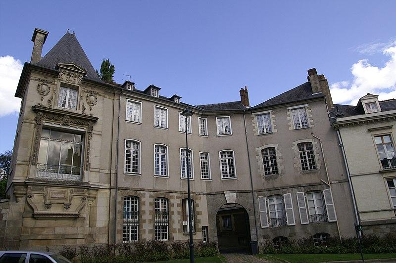 Photo du Monument Historique Hôtel de Cuillé situé à Rennes