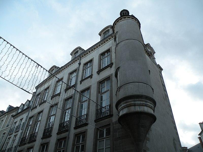 Photo du Monument Historique Hôtel de Robien, actuellement Crédit Agricole situé à Rennes