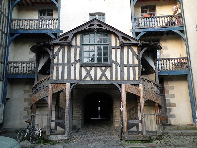 Photo du Monument Historique Grande-Maison des Carmes situé à Rennes