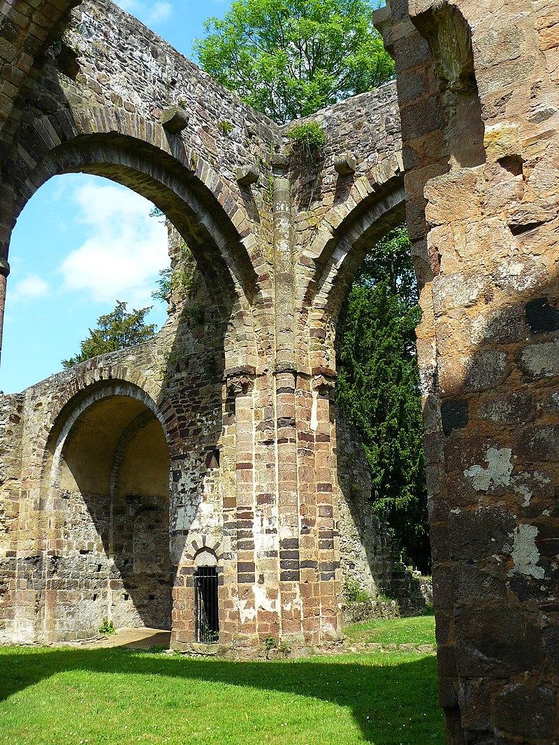 Photo du Monument Historique Ancienne abbaye Notre-Dame du Nid-au-Merle situé à Saint-Sulpice-la-Forêt