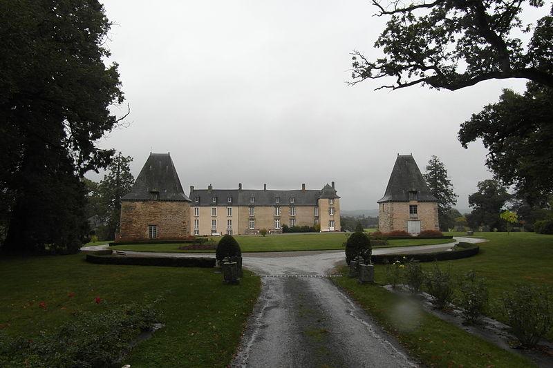 Photo du Monument Historique Château de la Robinais situé à Bain-de-Bretagne