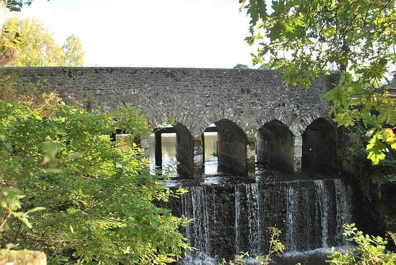 Photo du Monument Historique Ensemble fortifié de la chapelle et du pont de Chevré situé à La Bouëxière