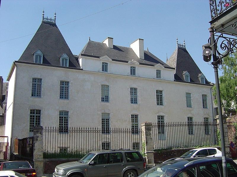 Photo du Monument Historique Hôtel de Sévigné situé à Vitré