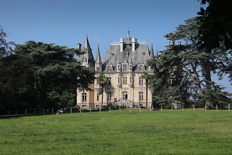 Photo du Monument Historique Château de la Haute-Forêt situé à Bréal-sous-Montfort