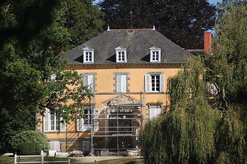 Photo du Monument Historique Château de Québriac situé à Québriac