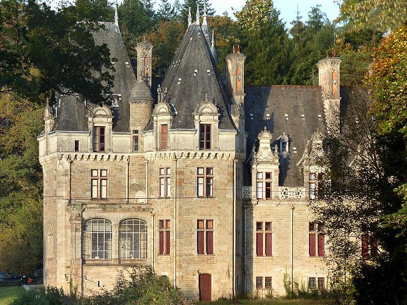 Photo du Monument Historique Château du Brossay situé à Renac