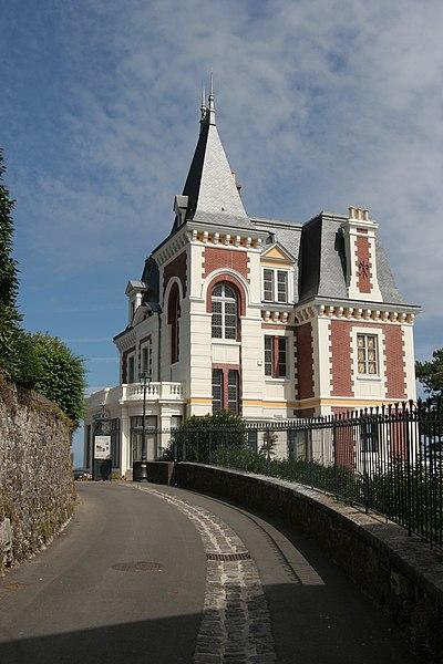 Photo du Monument Historique Villa Roches Brunes situé à Dinard