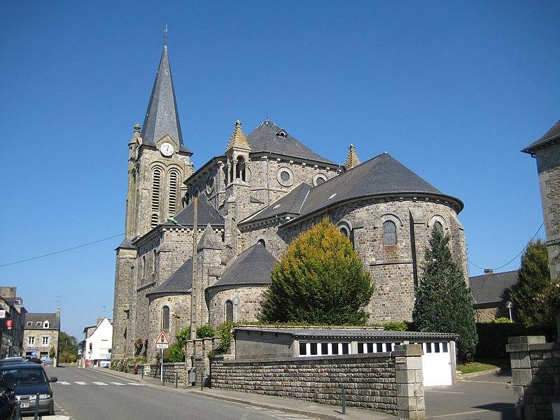 Photo du Monument Historique Eglise Saint-Michel situé à Liffré
