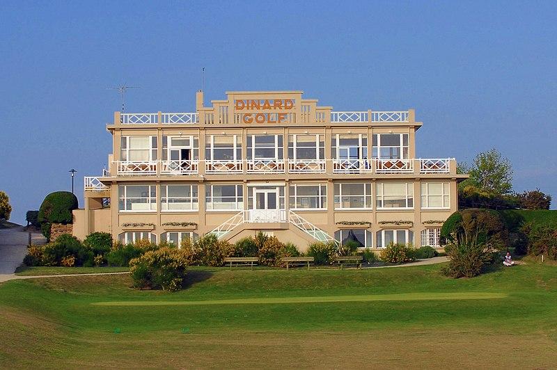 Photo du Monument Historique Club-House du Dinard Golf situé à Saint-Briac-sur-Mer