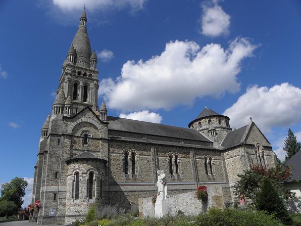 Photo du Monument Historique Eglise Saint-Etienne situé à Val-d'Izé