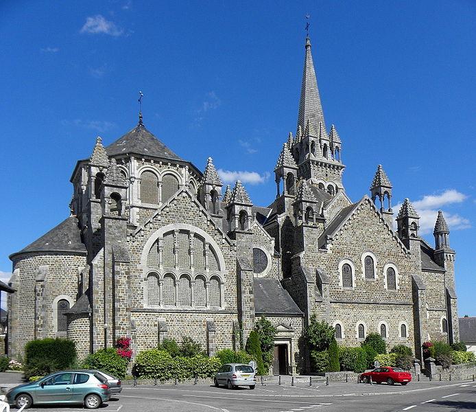 Photo du Monument Historique Eglise de la Sainte-Trinité-Notre-Dame situé à Tinténiac