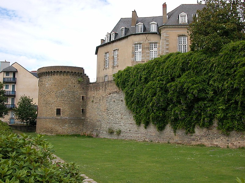 Photo du Monument Historique Enceinte fortifiée situé à Rennes