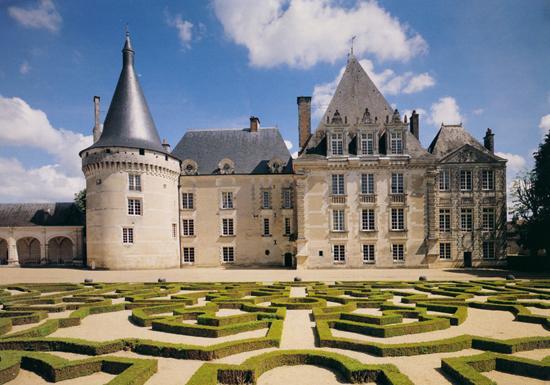 Photo du Monument Historique Château d'Azay-le-Ferron situé à Azay-le-Ferron