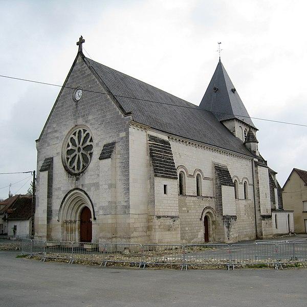 Photo du Monument Historique Eglise Saint-Nazaire situé à Azay-le-Ferron