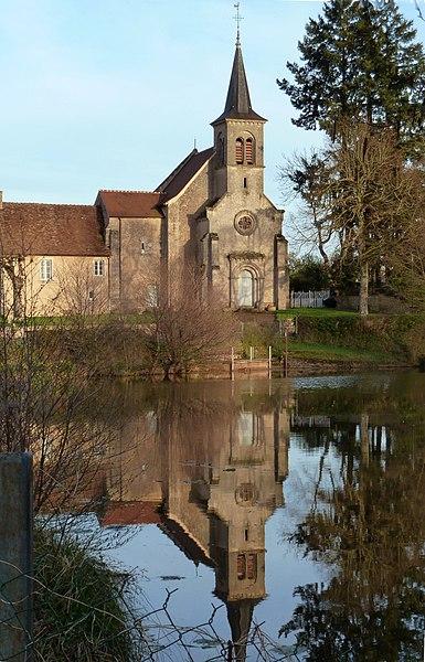 Photo du Monument Historique Eglise Saint-Pierre situé à Champillet