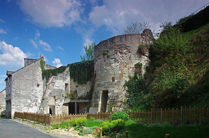 Photo du Monument Historique Château de Pouzieux situé à Châtillon-sur-Indre