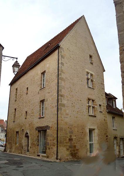 Photo du Monument Historique Maison, dite Maison Pointue situé à La Châtre