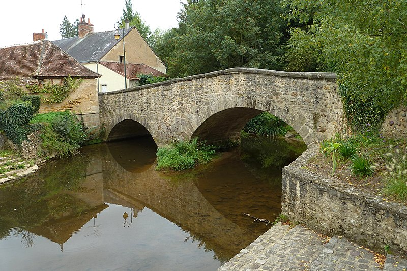 Photo du Monument Historique Pont, dit Pont aux laies situé à La Châtre
