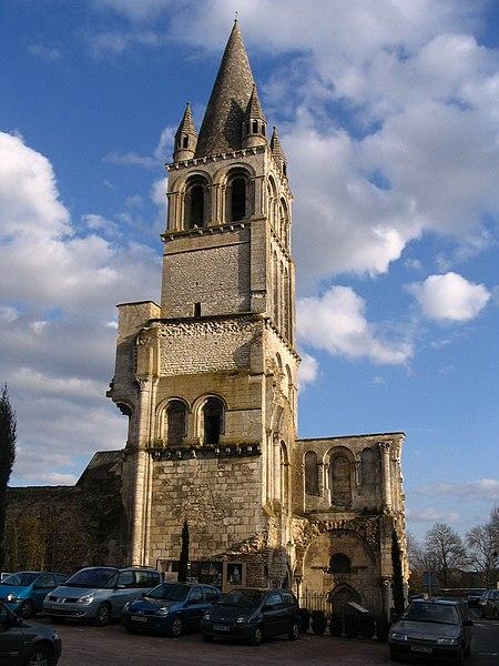 Photo du Monument Historique Ancienne abbaye Notre-Dame-du-Bourg-Dieu situé à Déols