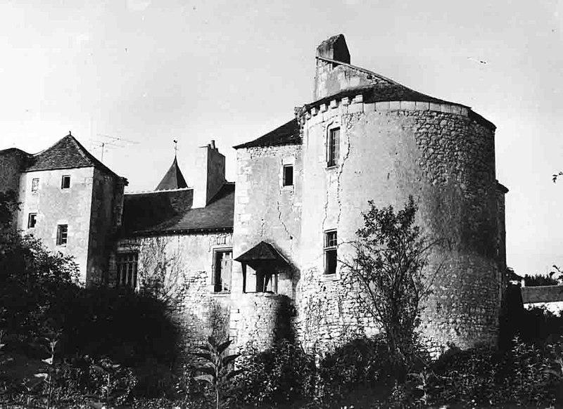 Photo du Monument Historique Château situé à Lurais
