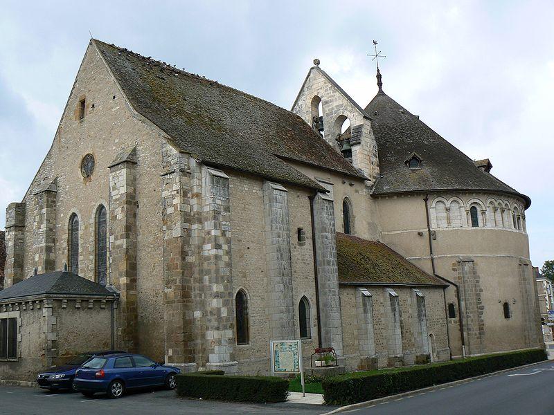 Photo du Monument Historique Eglise Saint-Etienne situé à Neuvy-Saint-Sépulchre