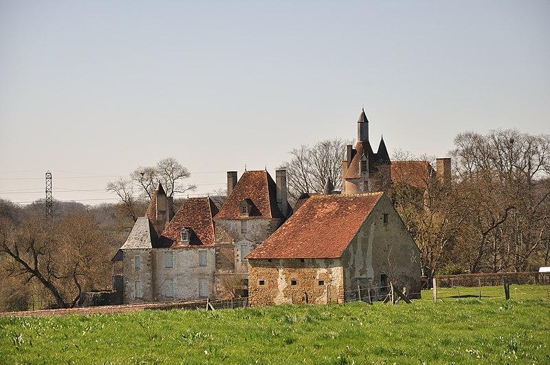 Photo du Monument Historique Château du Châtelier situé à Pommiers