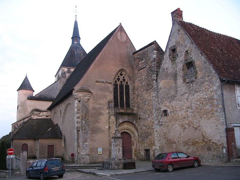 Photo du Monument Historique Eglise du prieuré Saint-Denis situé à Reuilly