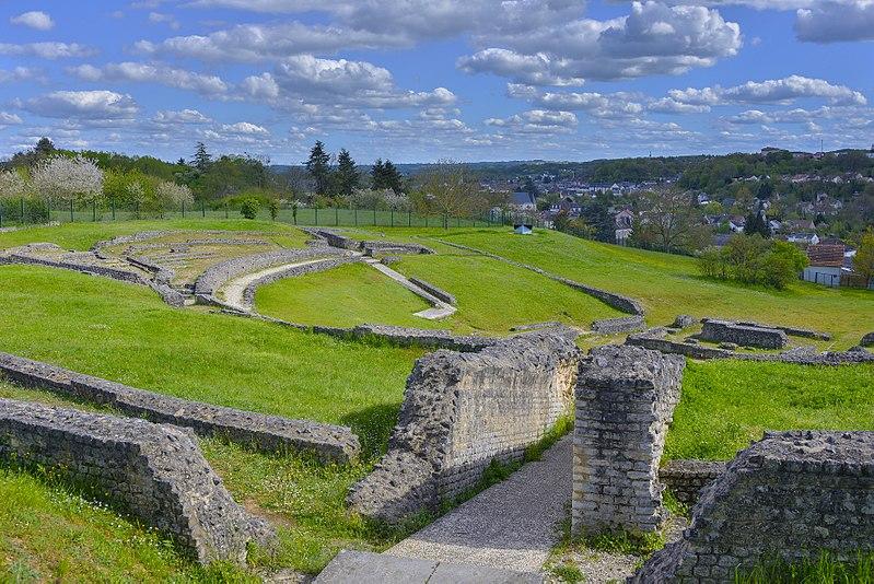 Photo du Monument Historique Vestiges du théâtre gallo-romain d'Argentomagus situé à Saint-Marcel