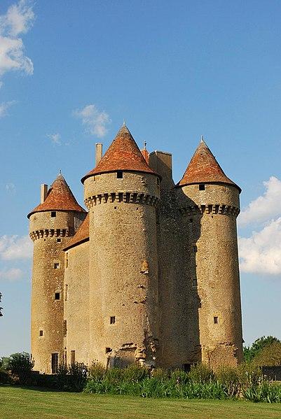 Photo du Monument Historique Château situé à Sarzay