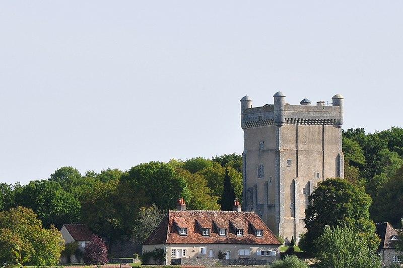 Photo du Monument Historique Château de Prunget situé à Tendu