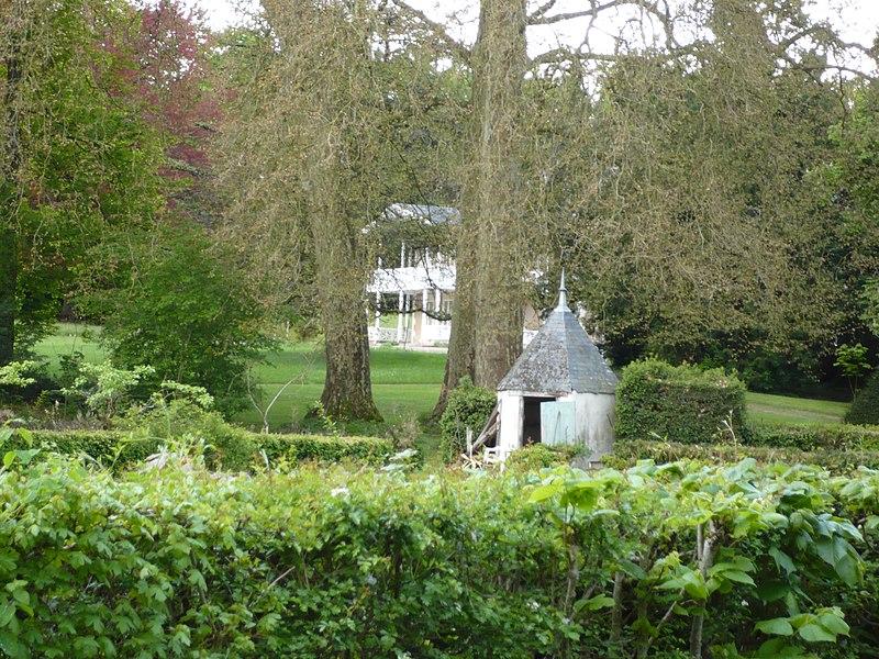 Photo du Monument Historique Anciennes allées de Frapesle et de Tivoli, et propriété de Frapesle situé à Issoudun